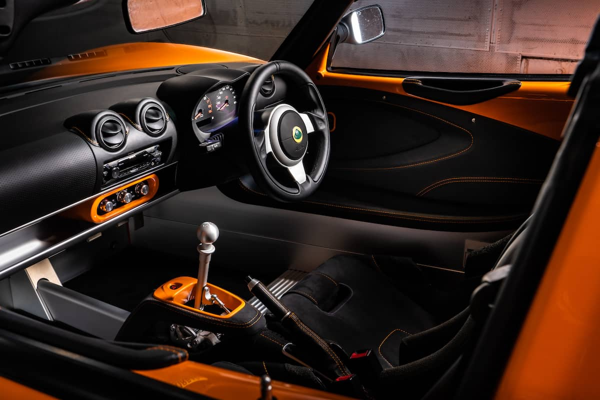 Lotus Elise Cup 250 –interior and dashboard | The Car Expert