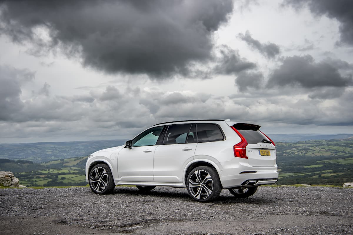 Volvo XC90 T8 R-Design MY2020 - rear | The Car Expert