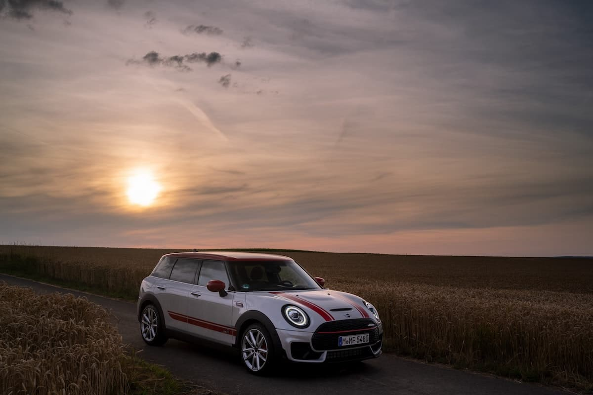 Mini Clubman John Cooper Works review - sunset | The Car Expert