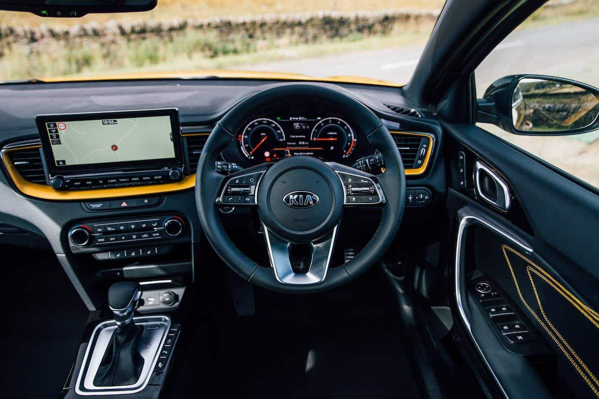 Kia XCeed review 2019 - interior and dashboard | The Car Expert