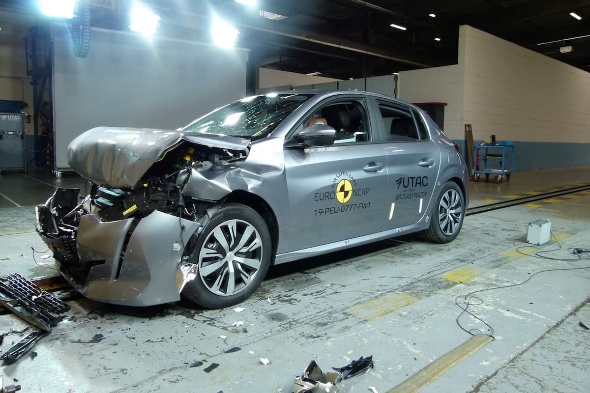 Peugeot 208 Euro NCAP crash test | The Car Expert