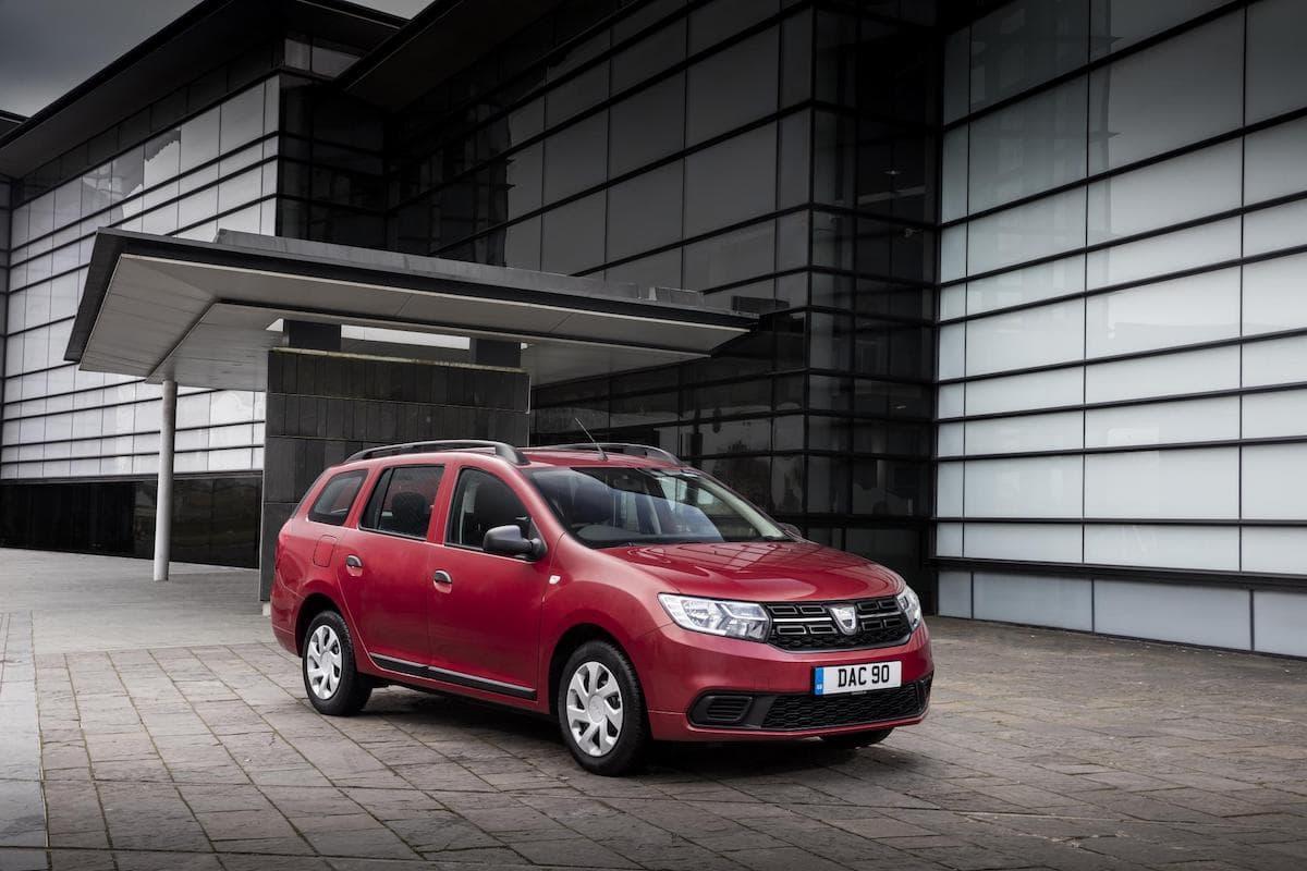 Dacia Logan MCV (2013 - ) front view   The Car Expert