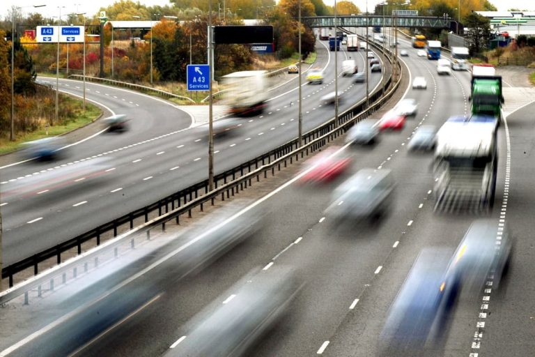 Could more electric cars lead to an 80mph motorway speed limit?