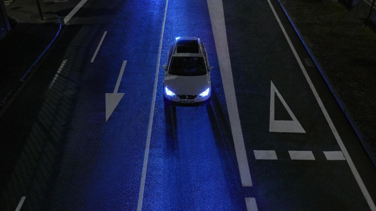 How to stay safe when driving in the dark 1