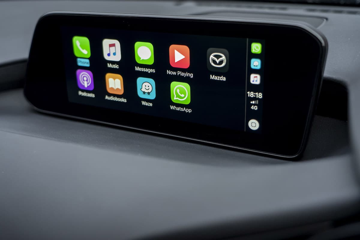 Mazda 3 review 2019 – infotainment and Apple CarPlay | The Car Expert