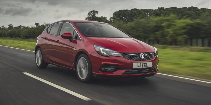 Vauxhall Astra test drive 2019 | The Car Expert