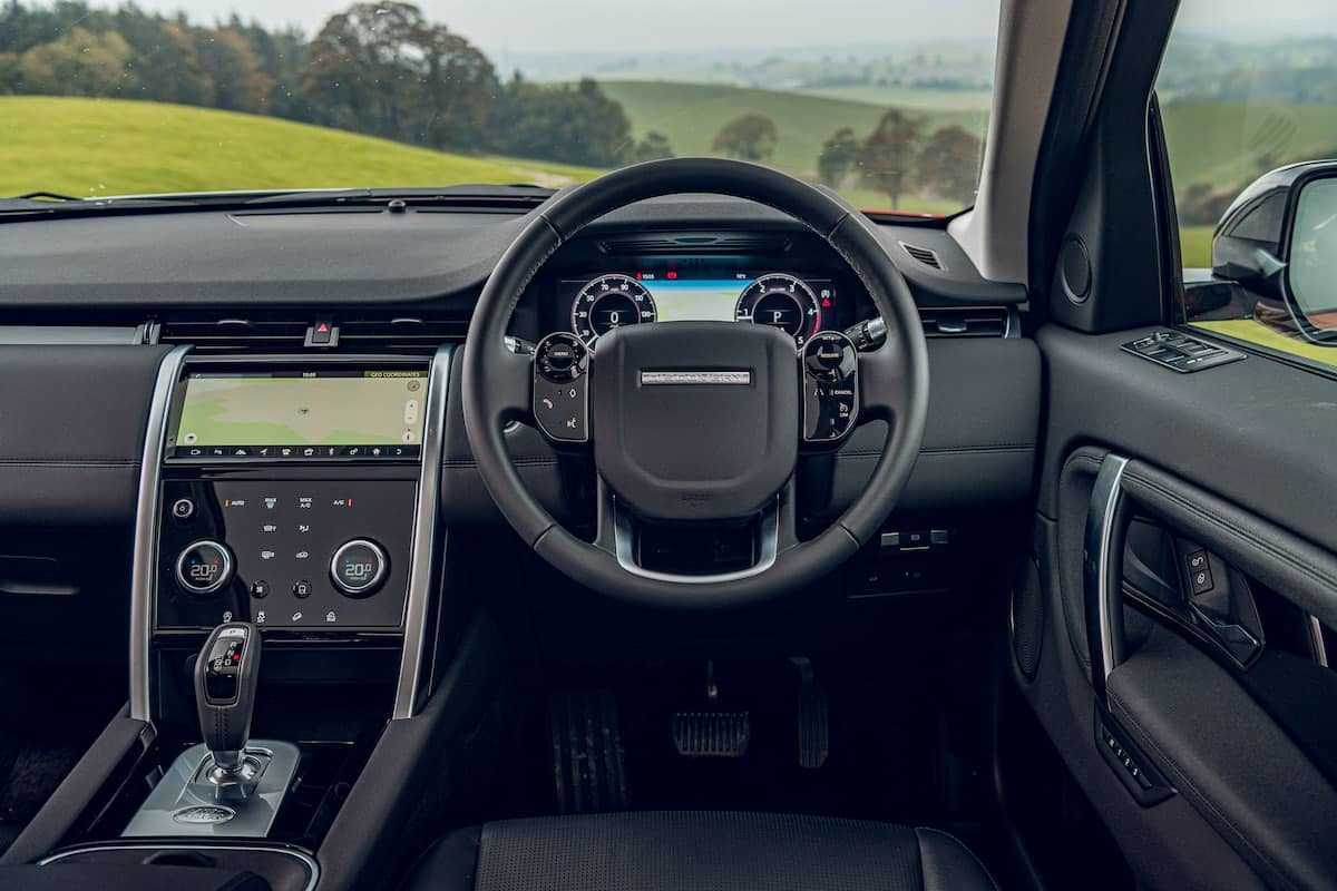 Land Rover Discovery Sport review – dashboard | The Car Expert