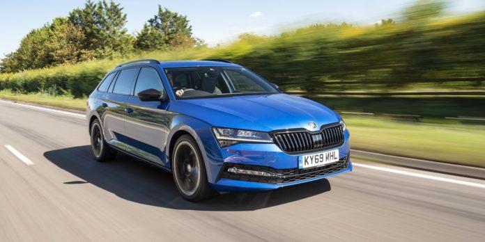 Skoda Superb Estate test drive 2020 | The Car Expert