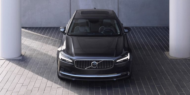 Updates to Volvo S90 and V90 models