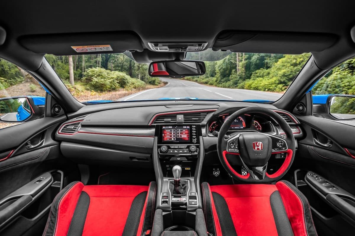 Honda Civic Type R (2017 onwards) – interior and dashboard