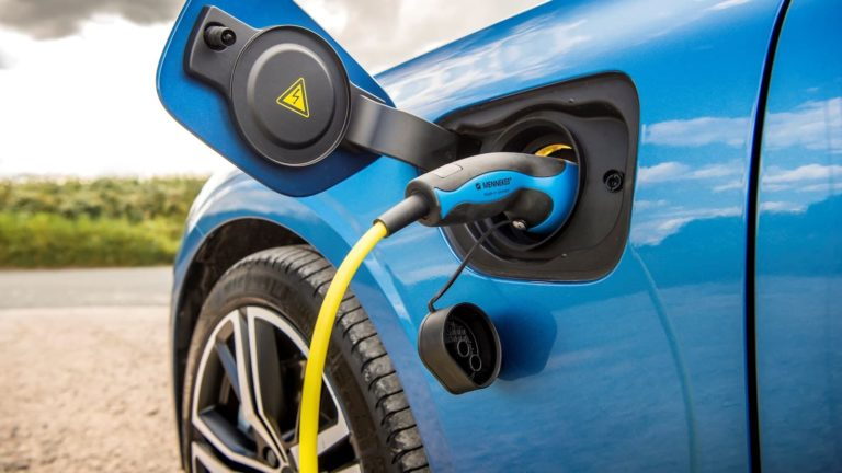 Volvo expands plug-in hybrid line-up