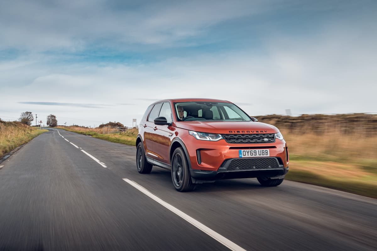 Land Rover Discovery Sport (2019) front | The Car Expert