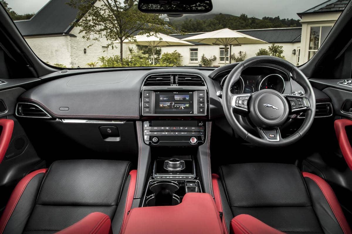 Jaguar F-Pace (2016 - 2020) - interior
