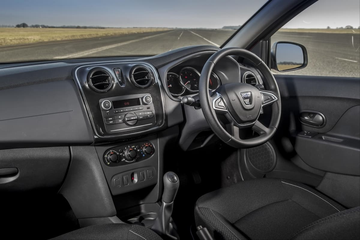 Dacia Sandero (2013 onwards) - interior and dashboard | The Car Expert