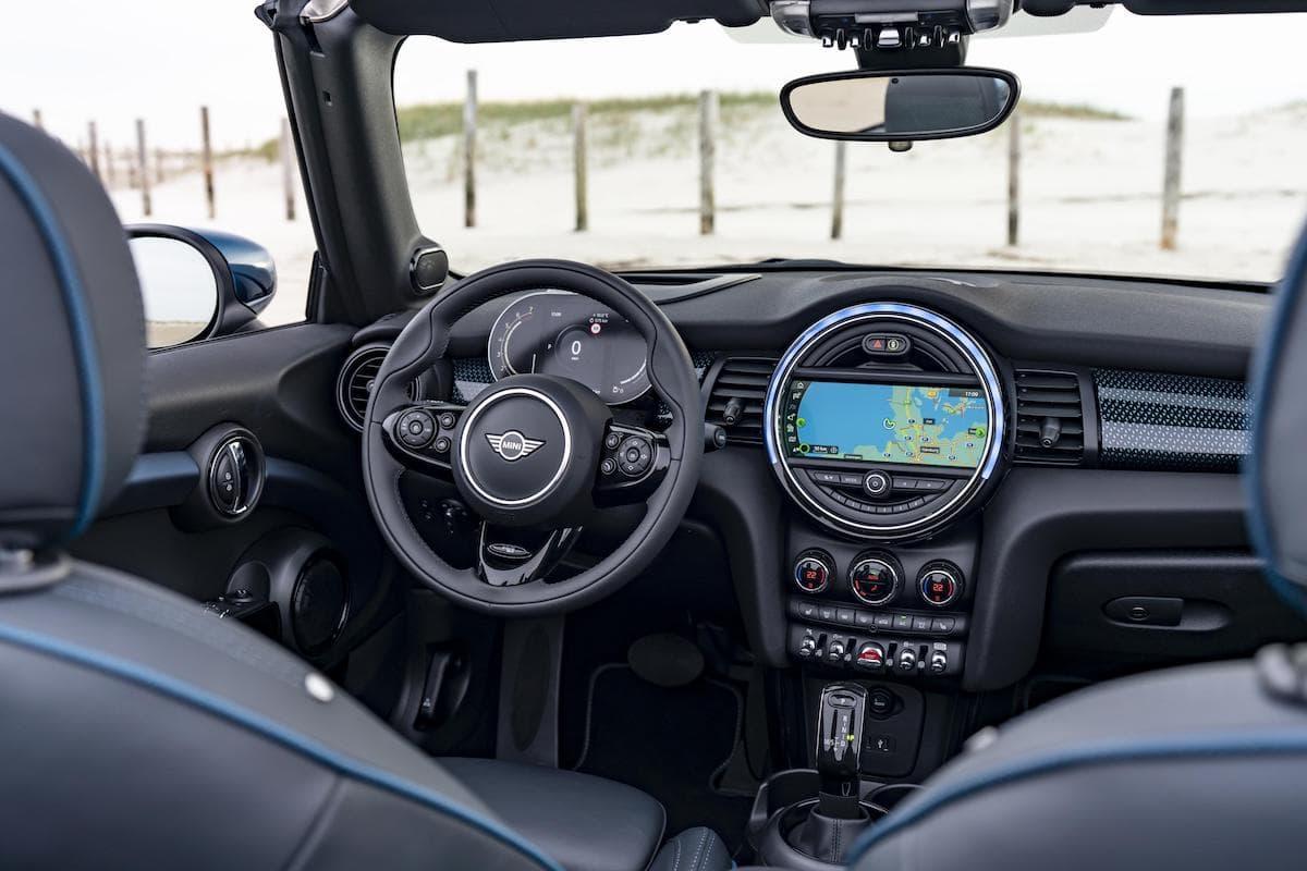 Mini Convertible (2016 - 2020) - interior and dashboard