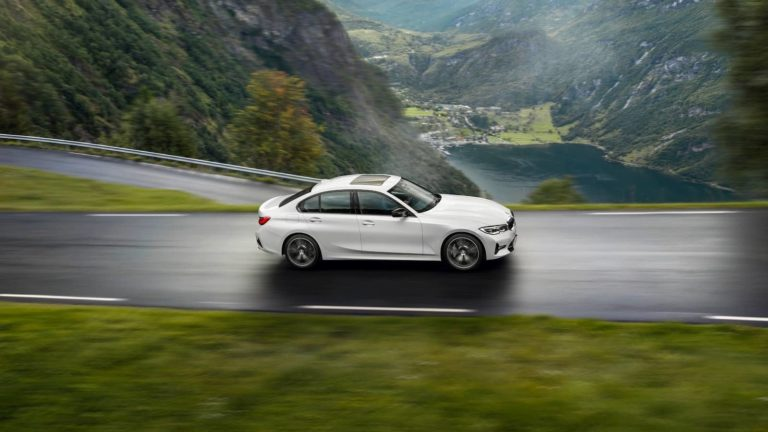 BMW rolls out mild hybrid 3 Series, X3 and X4 models