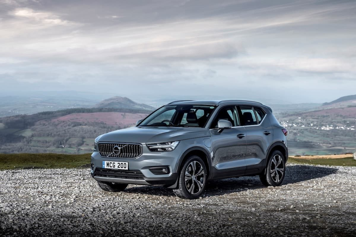 Volvo XC40 Recharge T5 plug-in hybrid - front