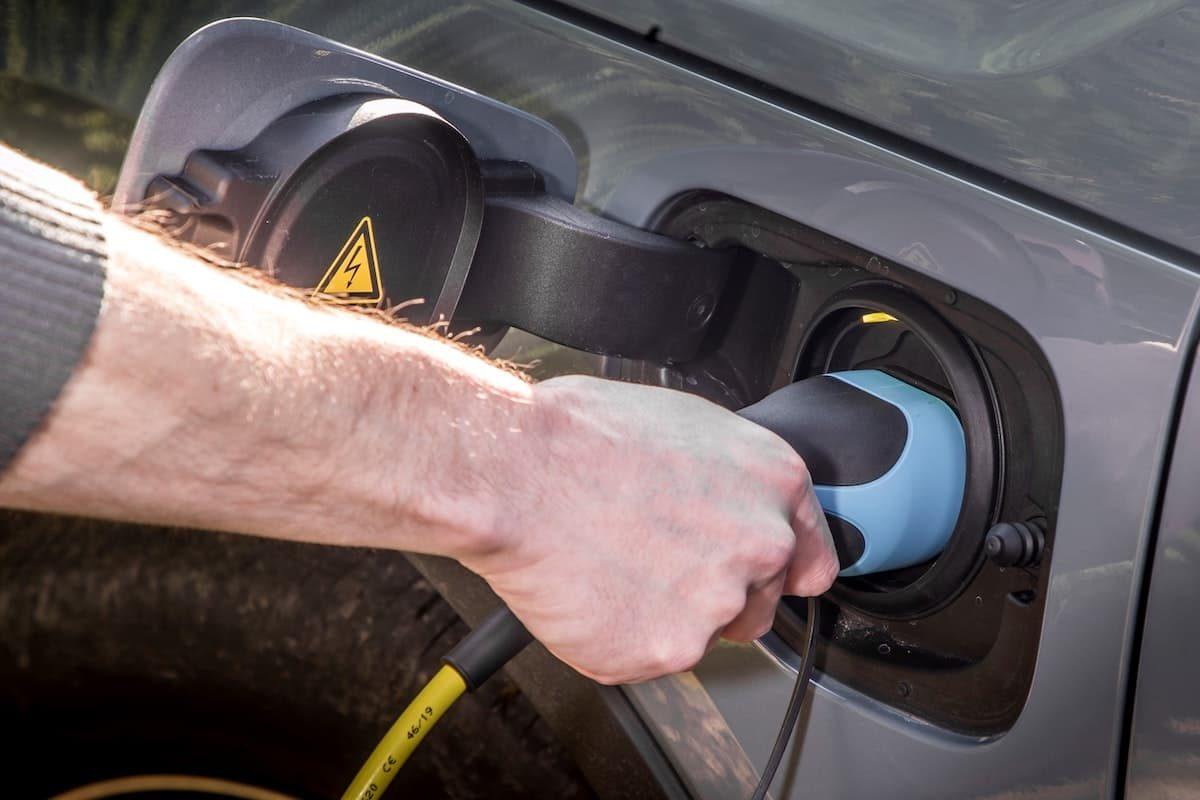 Volvo XC40 Recharge T5 plug-in hybrid - charging plug