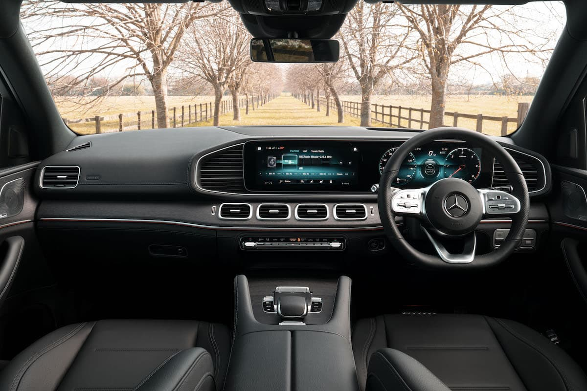 Mercedes-Benz GLE (2019 onwards) – interior and dashboard