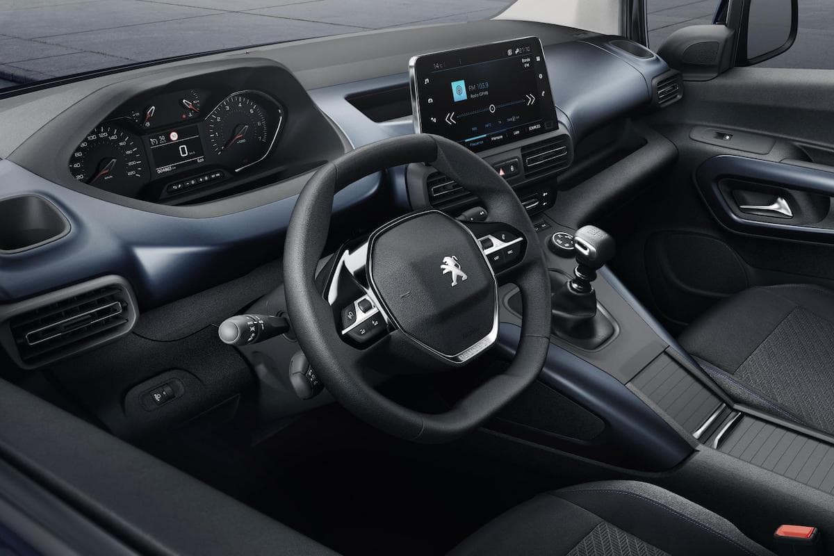 Peugeot Rifter (2018 onwards) interior and dashboard