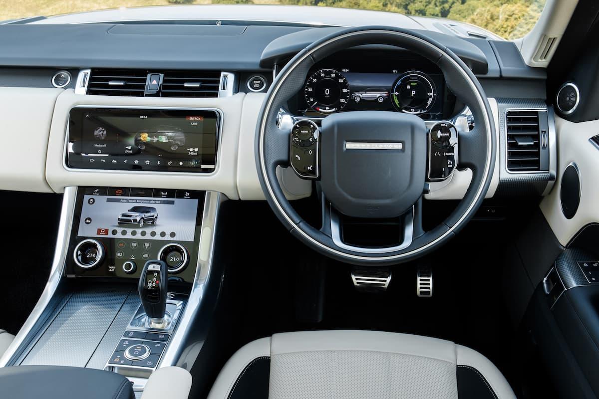 Range Rover Sport (2013 onwards) – interior and dashboard