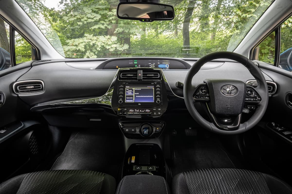 Toyota Prius (2016 onwards) - interior and dashboard