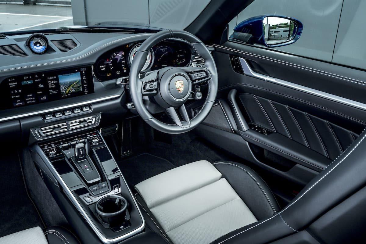 992 Porsche 911 Turbo S Cabriolet - interior and dashboard