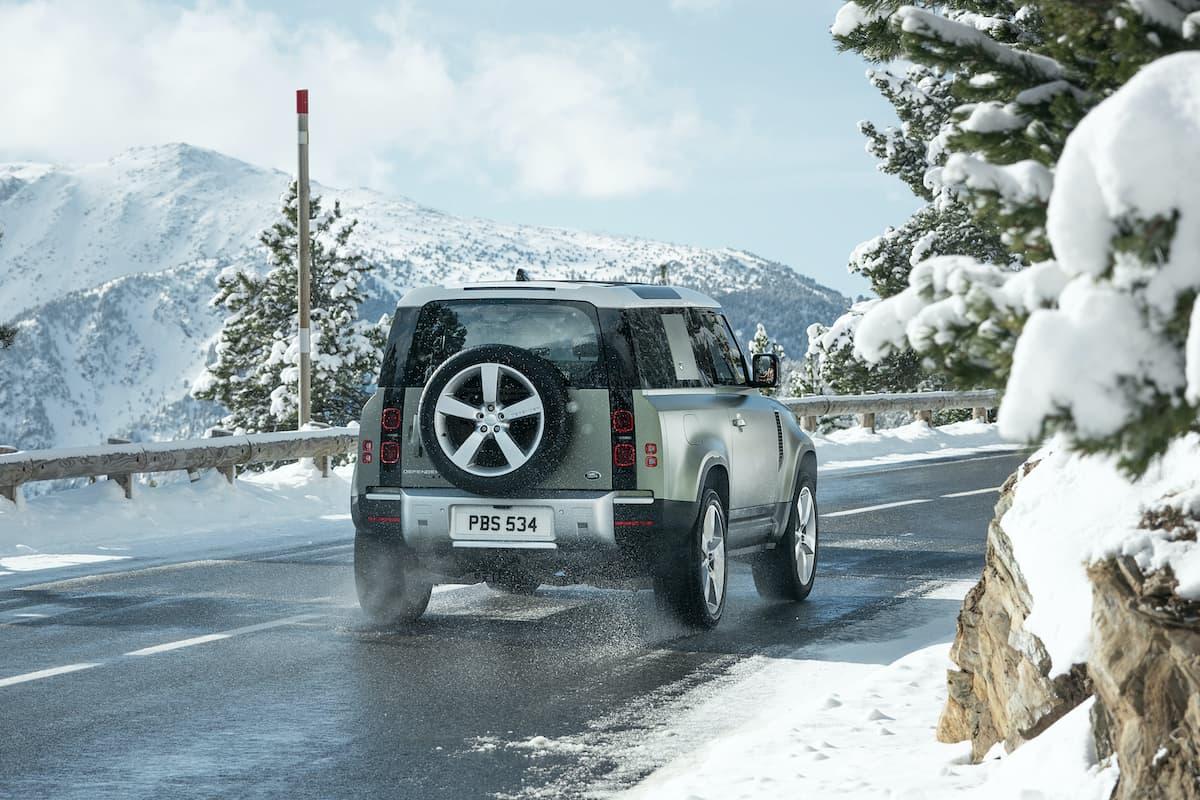 Land Rover Defender 90 (2020 onwards) – rear