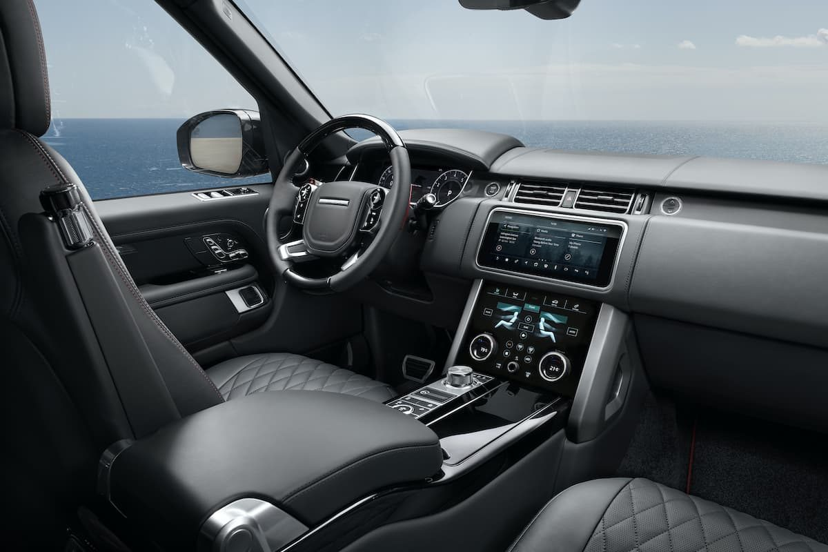 2020 Range Rover SVAutobiography Dynamic Black - interior and dashboard