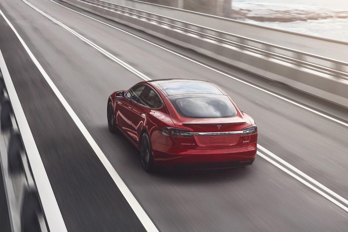 Tesla Model S (2014 onwards) - overhead rear