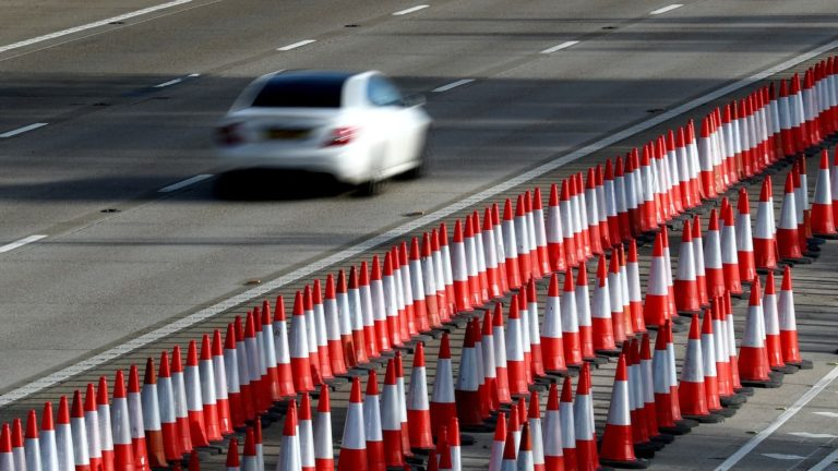 Motorway speed limits past roadworks to rise to 60mph