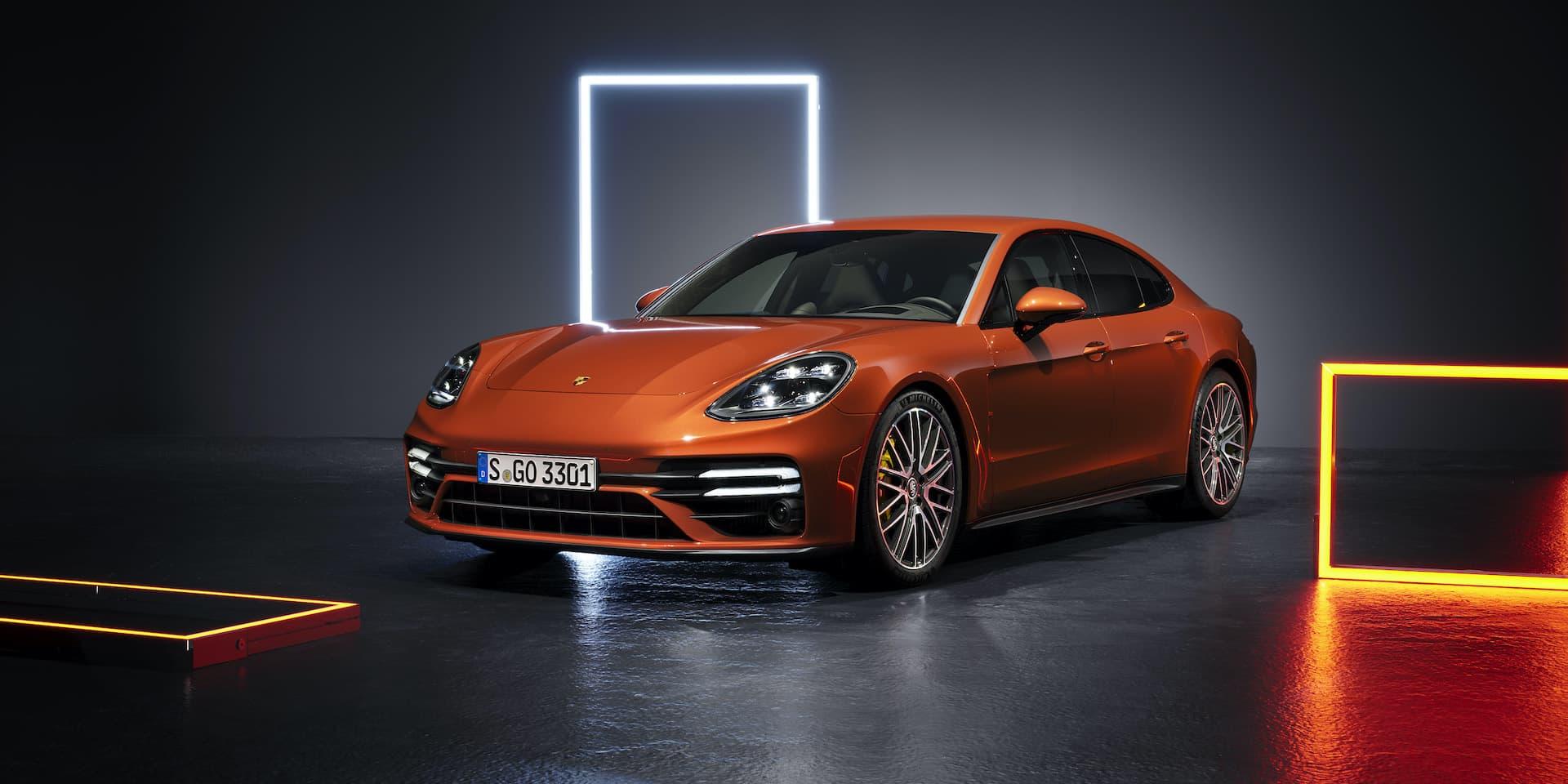 2020 Porsche Panamera saloon