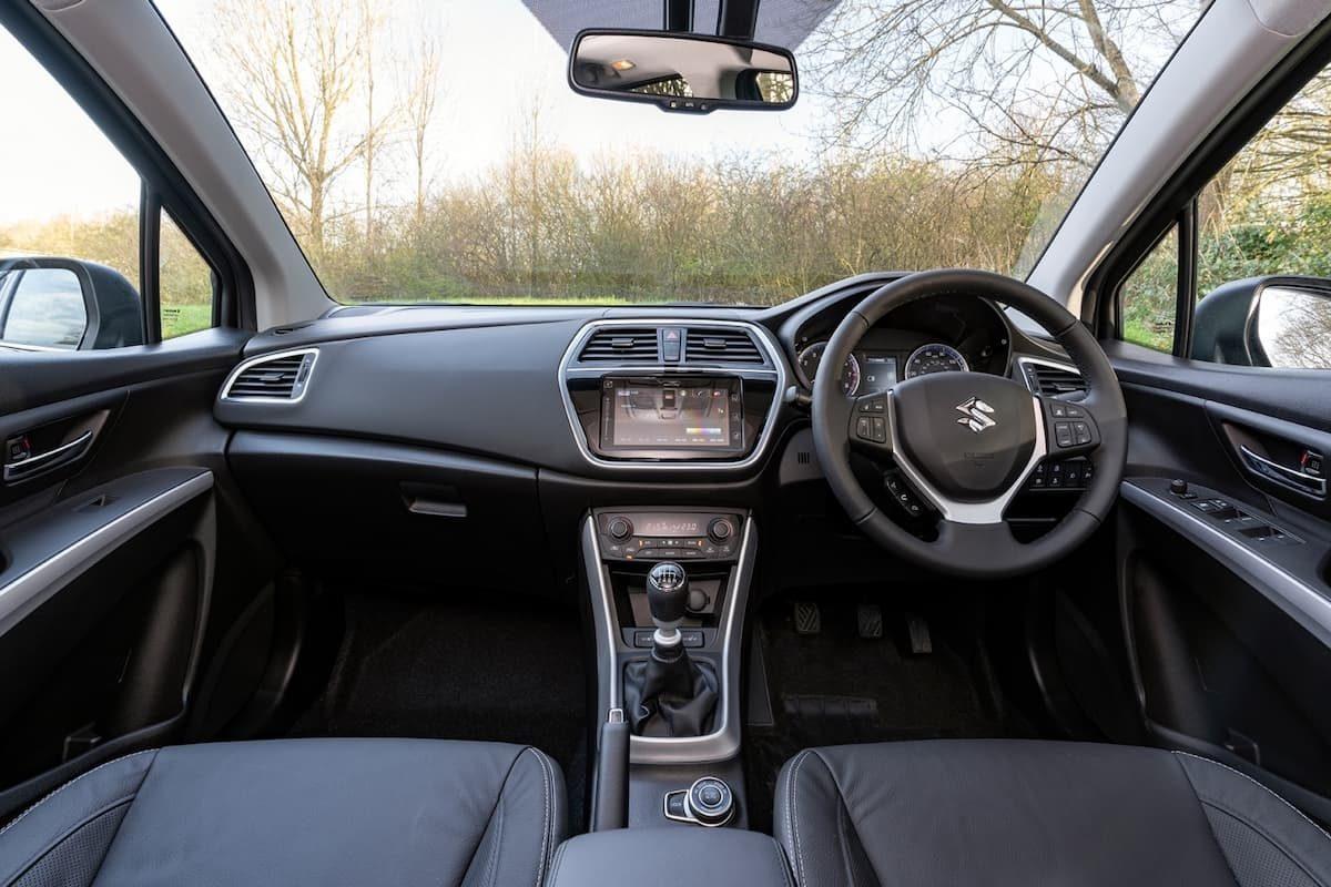Suzuki S-Cross (2013 onwards) - interior and dashboard