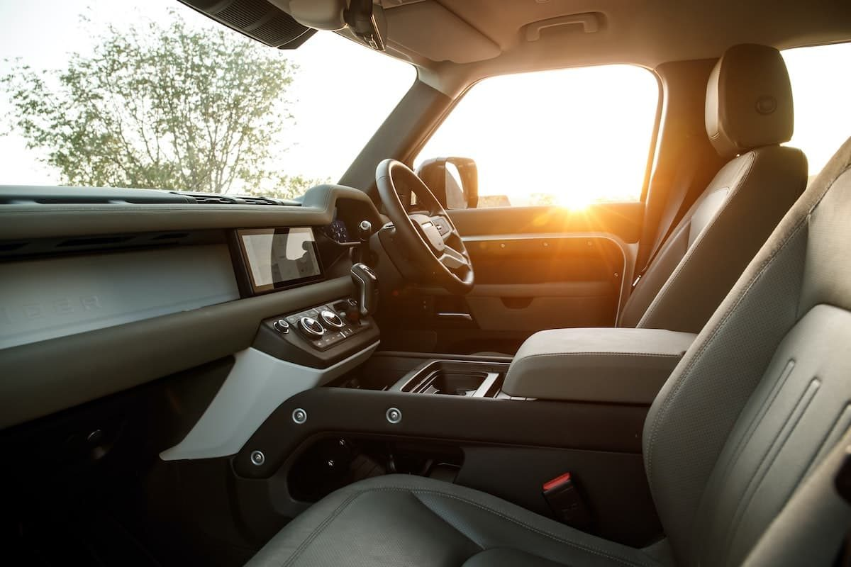 2021 Land Rover Defender 110 - front seats