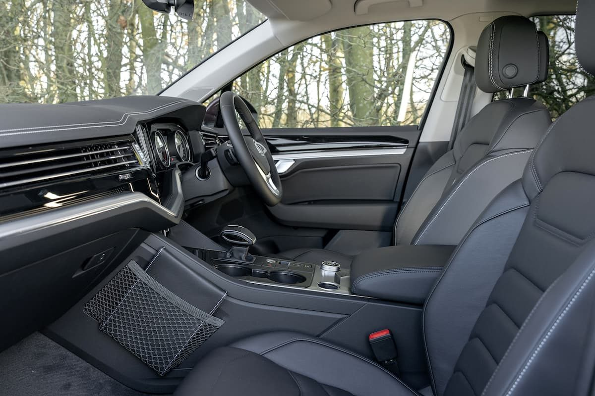 Volkswagen Touareg review 2020 - front seats