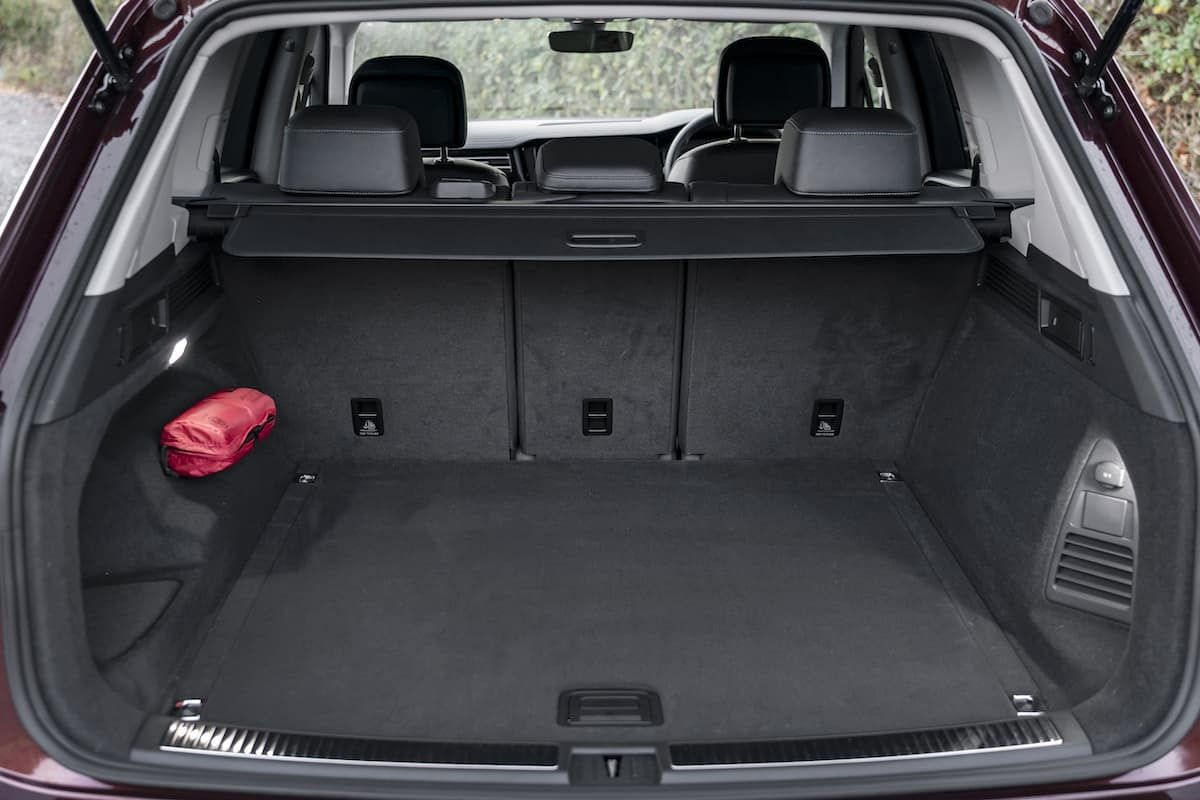 Volkswagen Touareg review 2020 - boot space