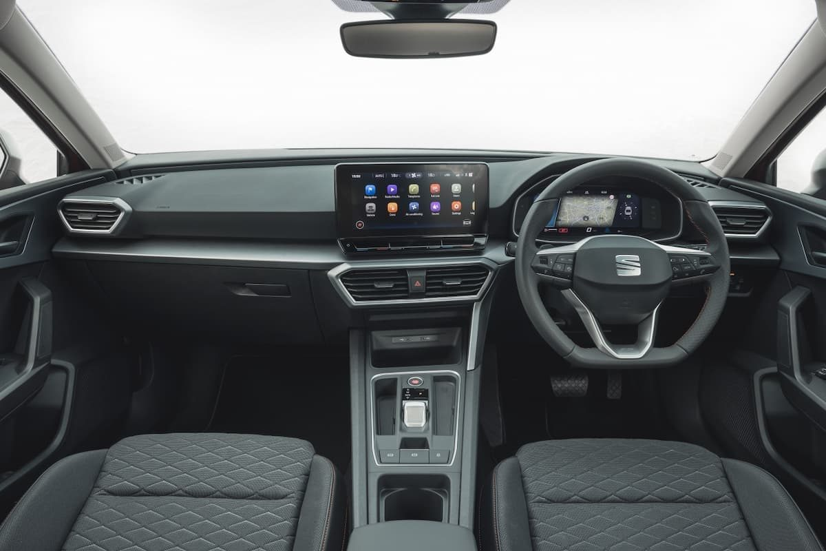 SEAT Leon FR review 2020 - interior and dashboard