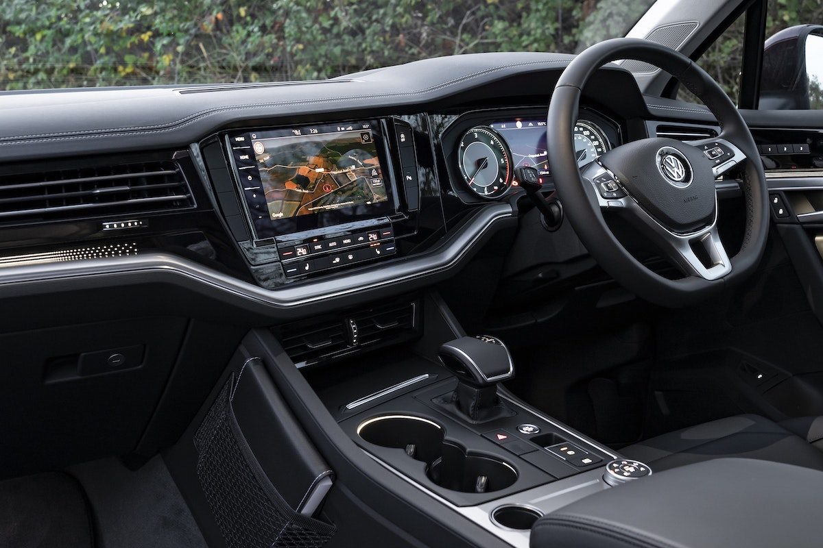 Volkswagen Touareg review 2020 - interior and dashboard