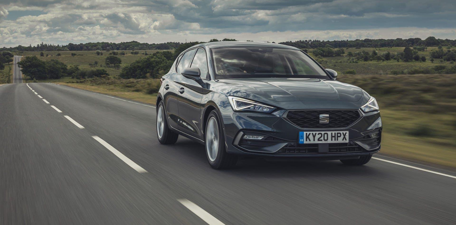 SEAT Leon test drive 2020 wallpaper
