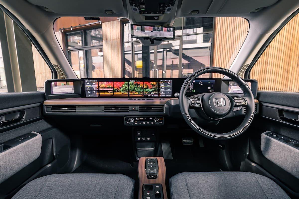 Honda e (2020 onwards) – interior and dashboard
