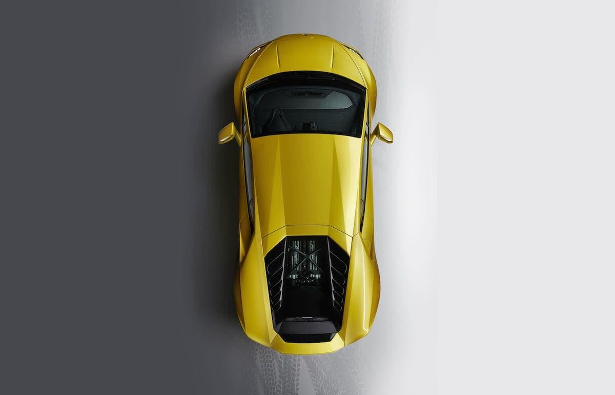 Lamborghini Huracan Evo RWD review - overhead