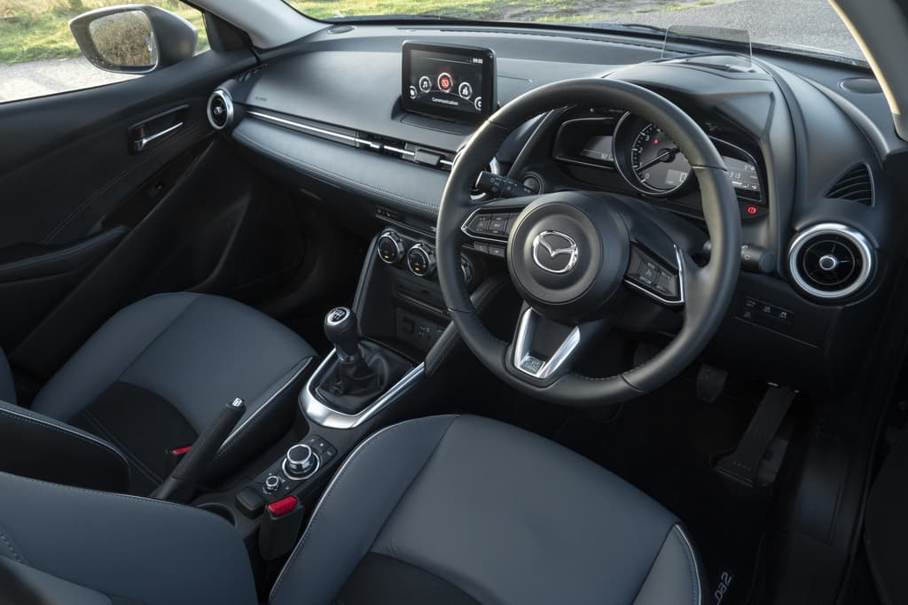 Mazda 2 (2014 onwards) – interior and dashboard