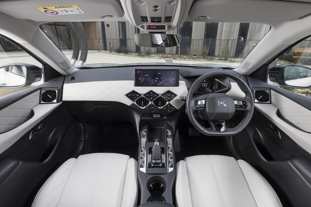 DS 3 Crossback E-Tense (2020 onwards) - interior and dashboard