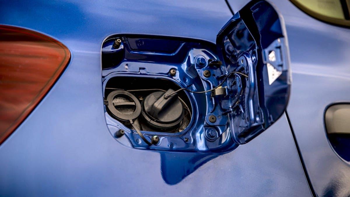 Dacia Duster Bi-Fuel fuel flap
