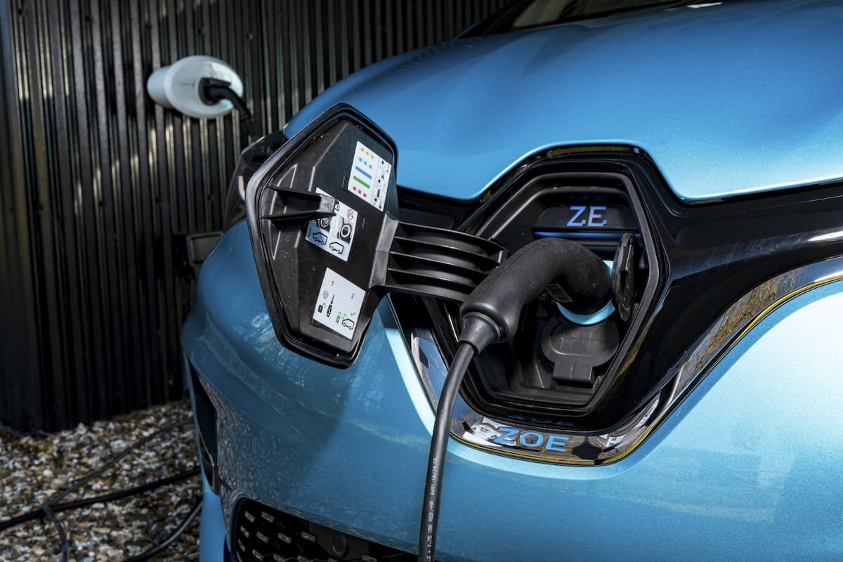 Renault Zoe review 2020 – charging point