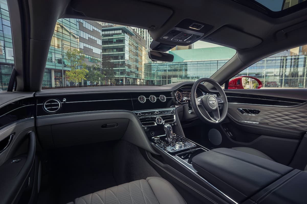 Bentley Flying Spur (2019 onwards) – interior and dashboard