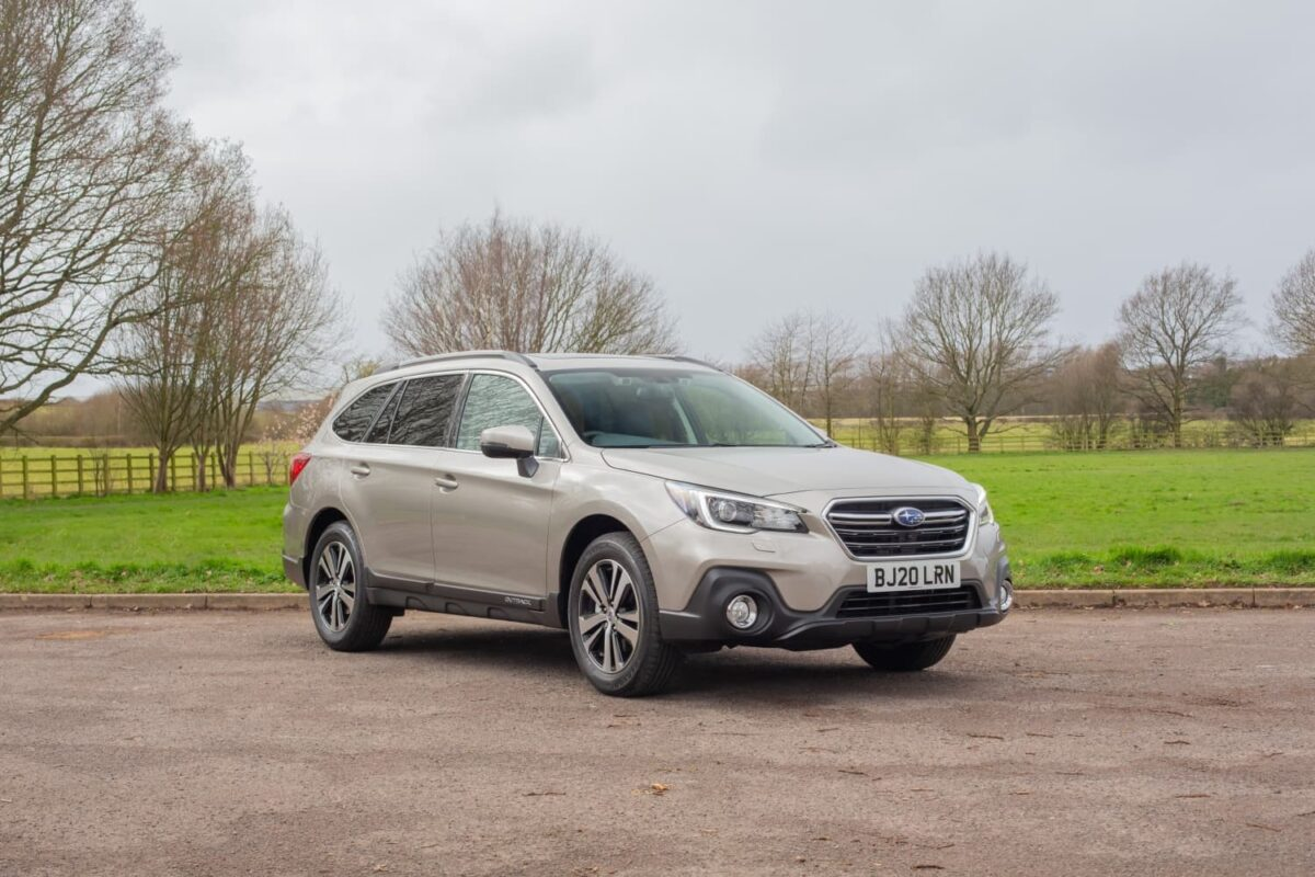 Subaru Outback (2018 onwards) - front view