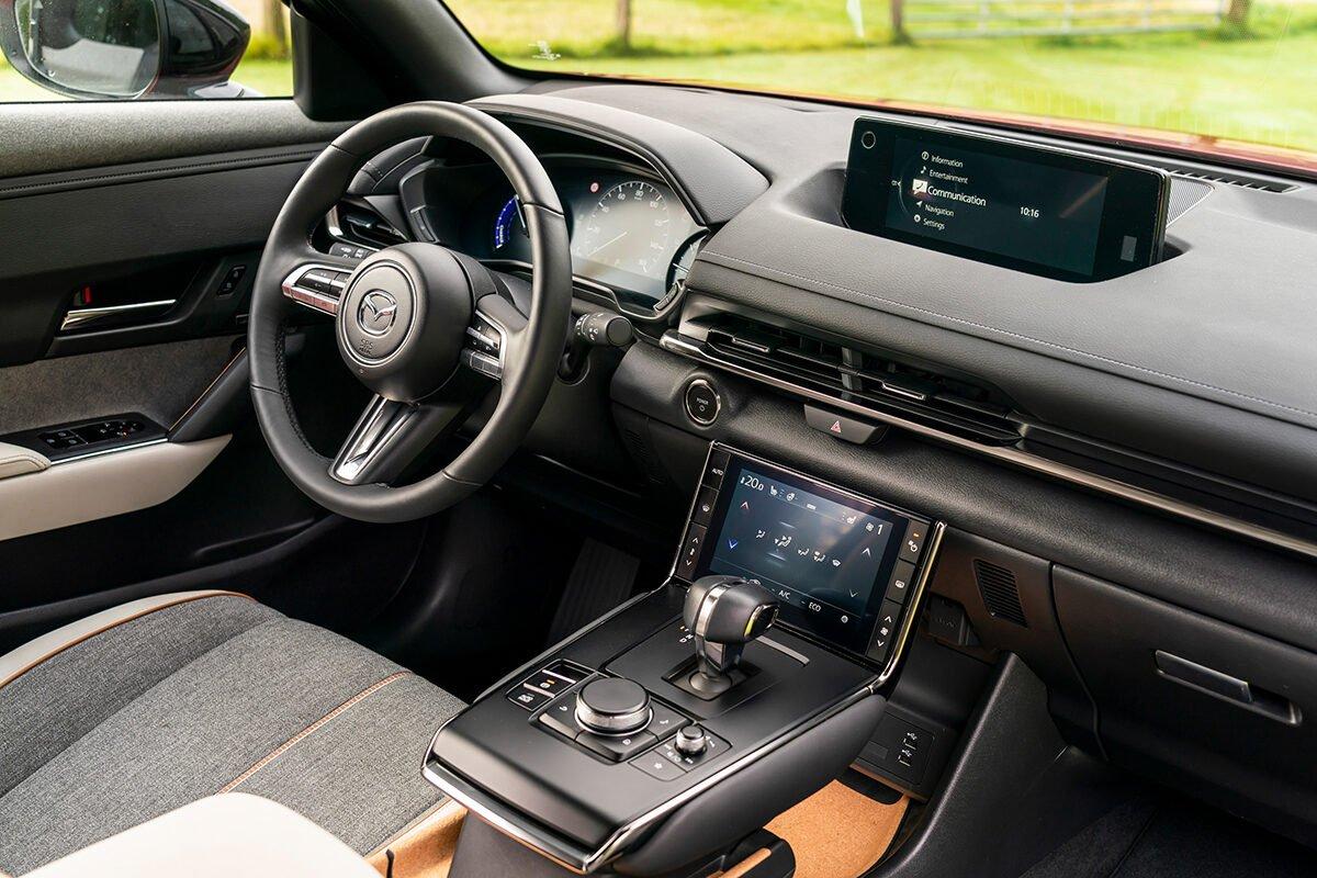 Mazda MX-30 (2021) interior