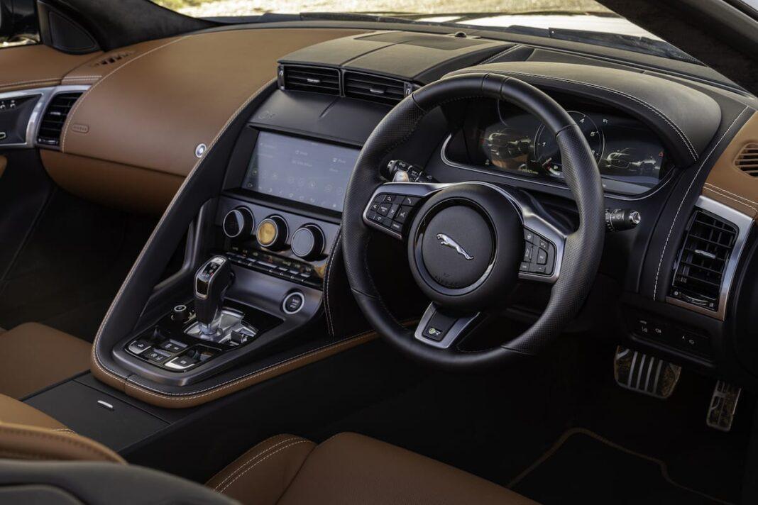 Jaguar F-Type roadster (2020 onwards) - cabin and dashboard