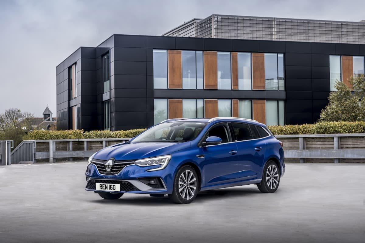 Renault Megane Sport Tourer E-Tech plug-in hybrid - front
